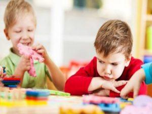 چگونه با کودکان اوتیستیک ارتباط برقرار کنیم؟