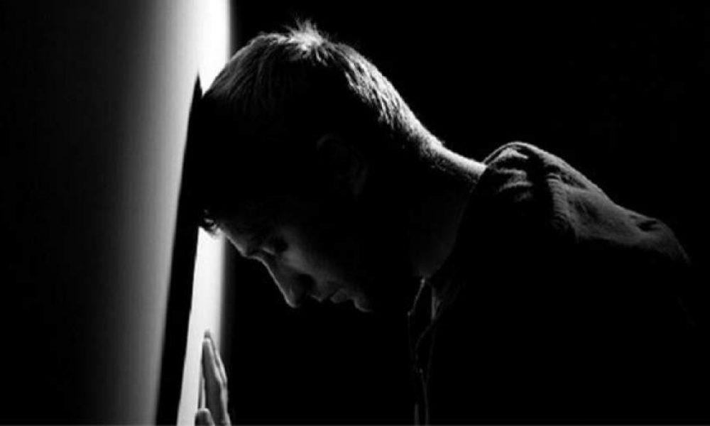 نجات فرد افسرده با جایگزین کردن افکار مثبت